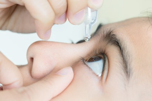 Antimicrobial Agents Used in Eye Drops Might Inhibit Mitochondrial Function, Scientists Warn